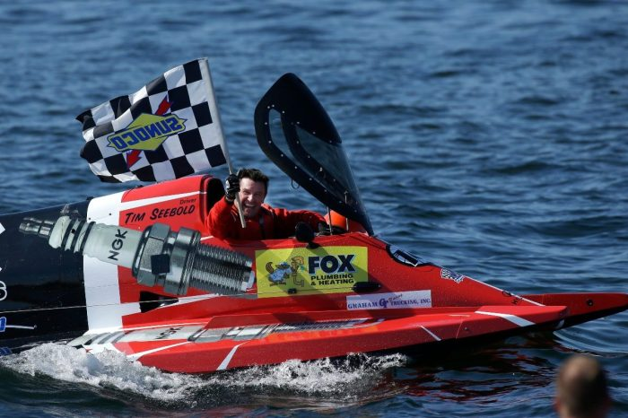 Formula 1 Powerboat Racing Is the Ultimate Adrenaline Rush on the Water