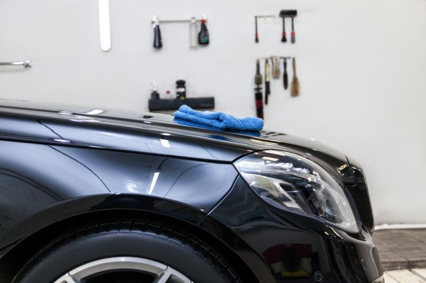 3 of the Best Paints to Transform the Look of Your Garage Walls