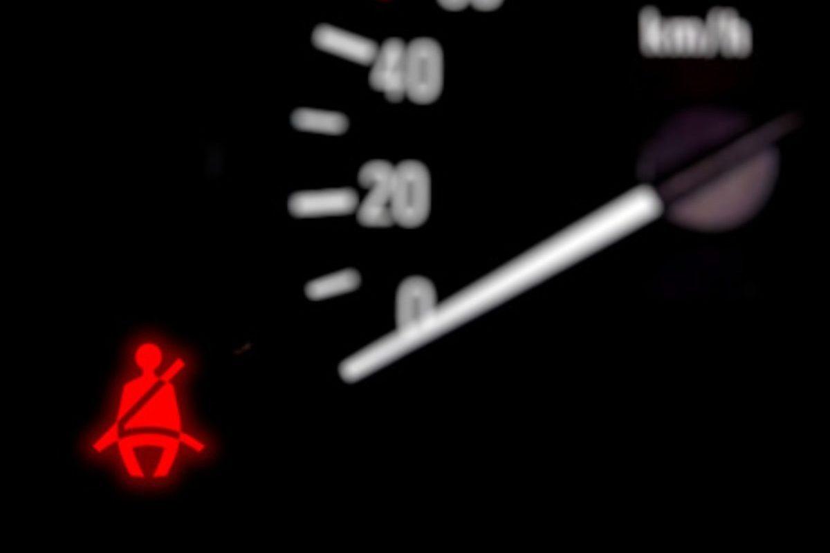 seatbelt warning light