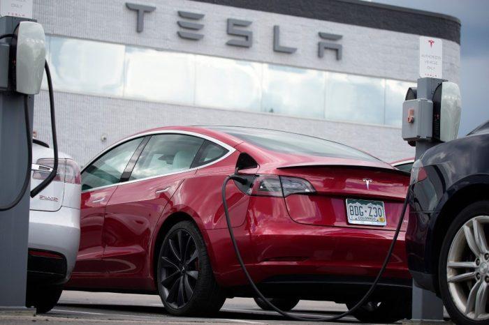 U.S. Opens Probe Into Tesla Autopilot Because Cars Keep Hitting Emergency Vehicles