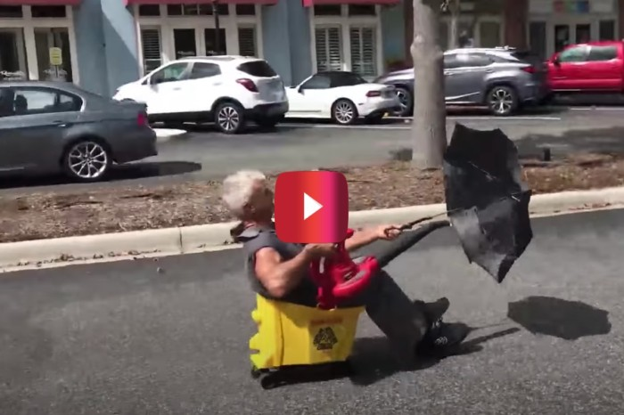 """Florida Man Invents """"Blue-Collar Limousine"""" Out of Leaf Blower and Mop Bucket"""