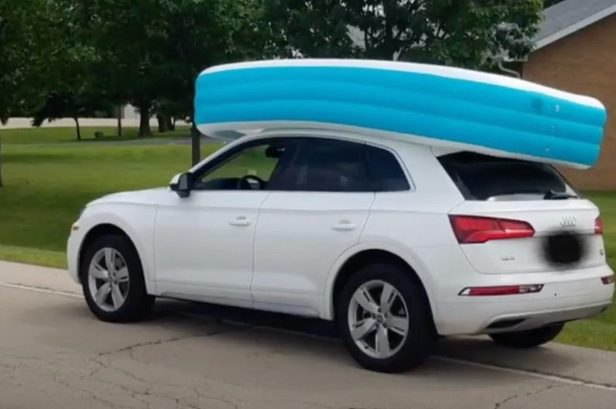 Mom Arrested for Driving While Kids Sat in Inflatable Pool on Top of Car