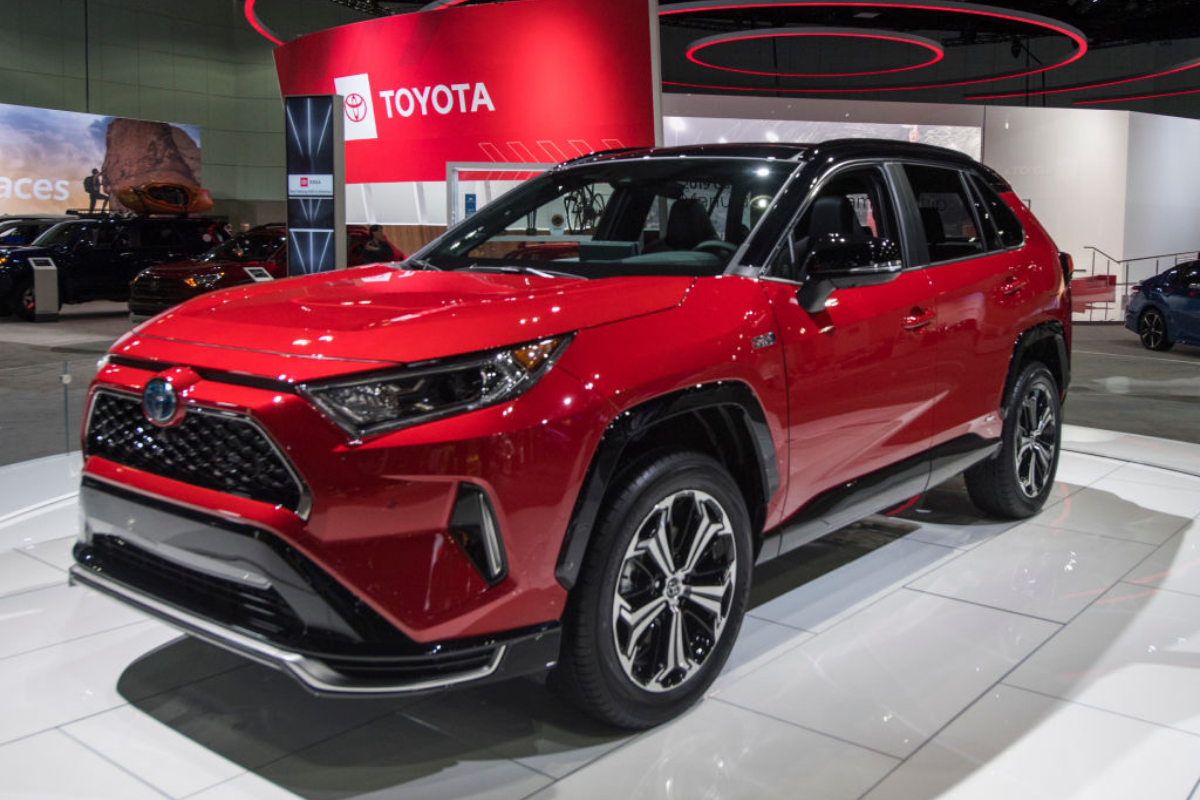 SUV Deals to Close 2021 with a Heaping Helping of Savings