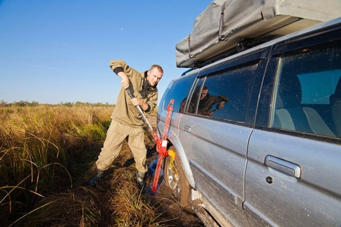 4 Must-Haves for Your Bug Out Vehicle
