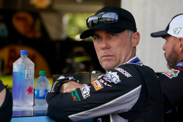 Kevin Harvick Fires Back at Chase Elliott After Texas Race